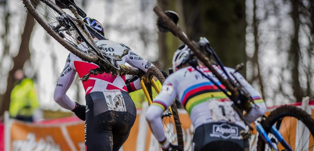 Surprise on the new Cyclocross calendar: Cover on February 12th