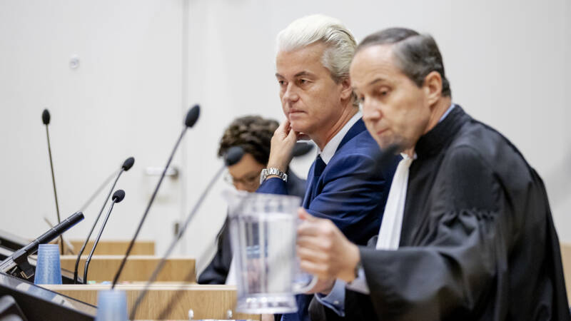 `` The American Foundation donated 2 tons for the defense of Wilders in the case of the `` less Moroccans ''