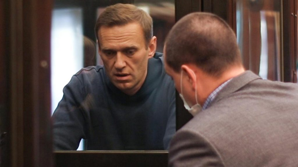 US, EU impose sanctions on Russia after poisoning Navalny |  NOW