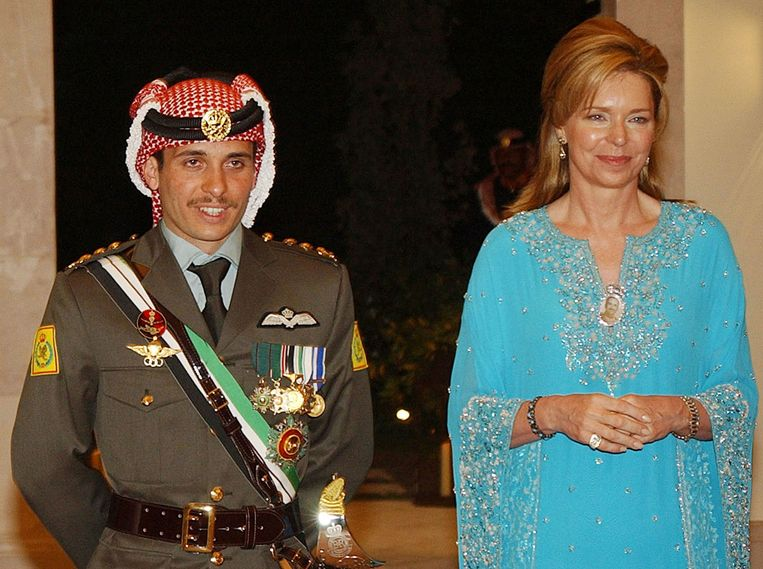 2004 file photo of Prince Hamza with his mother, Queen Noor.  AP Image