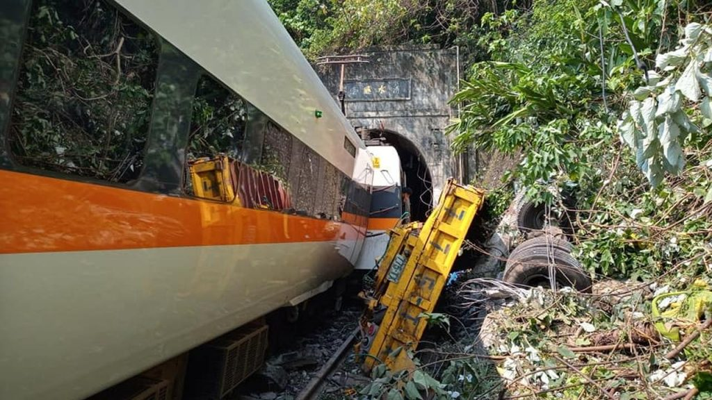 At least 36 dead and dozens injured in train crash in Taiwan |  NOW