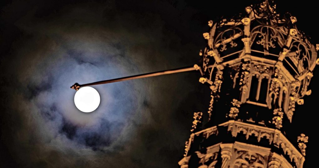Exceptional: for the first time since 1909, the super moon can be seen on King's Day |  Interior