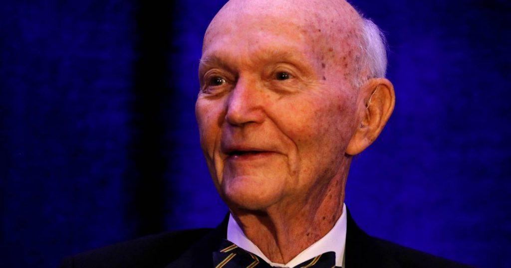 Former astronaut Michael Collins has died |  Science
