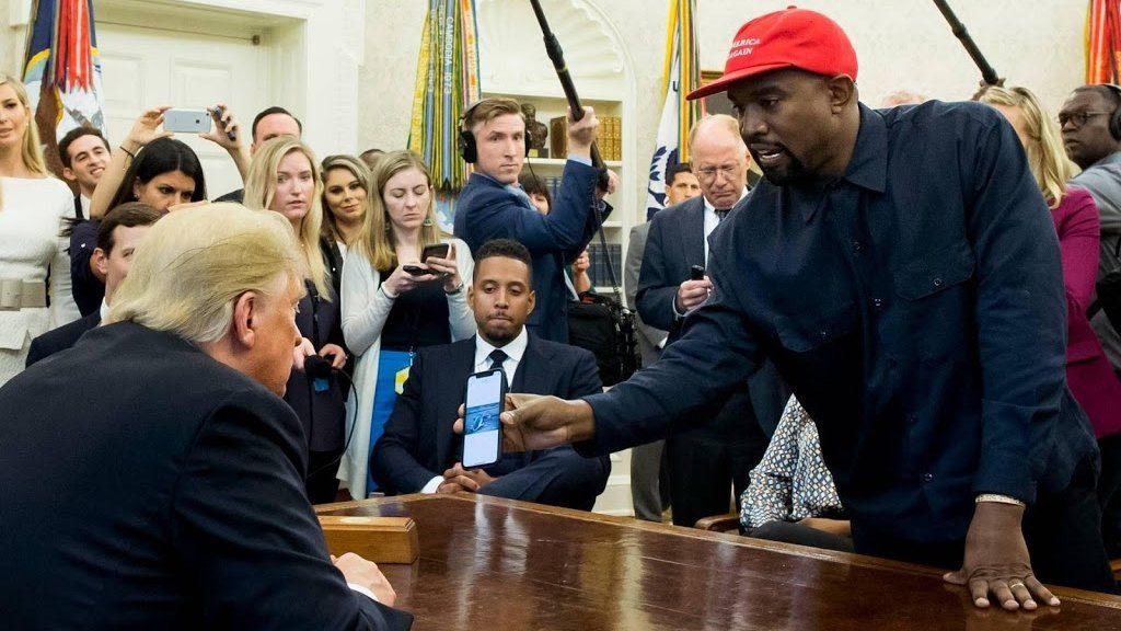 `` Kanye is still behind Donald Trump ''