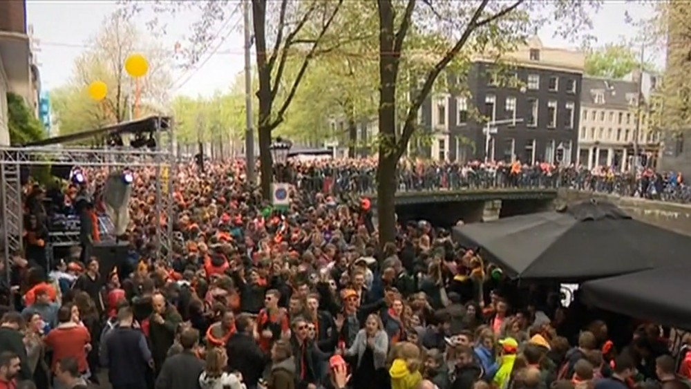 The youth branch VVD believes that the municipality should organize parties on King's Day