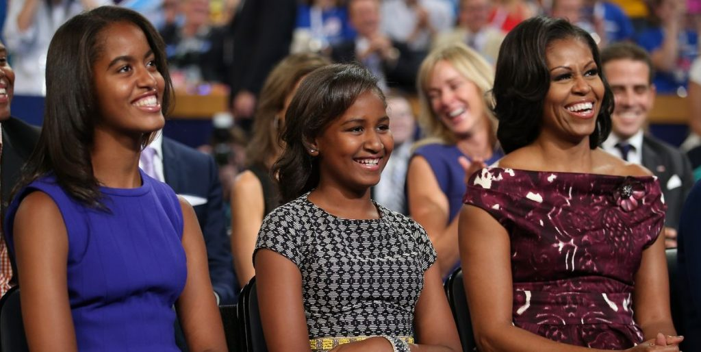 These actresses play Sasha and Malia Obama in the series The First Lady