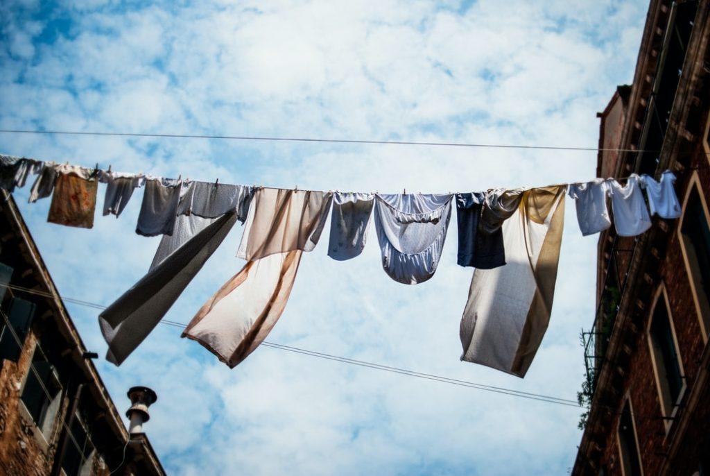Mass funeral underwear for a better world