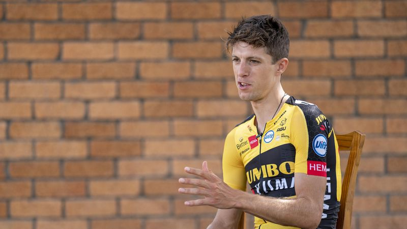 Interview |  George Bennett: 'David Dekker has the potential to win the Giro stage'