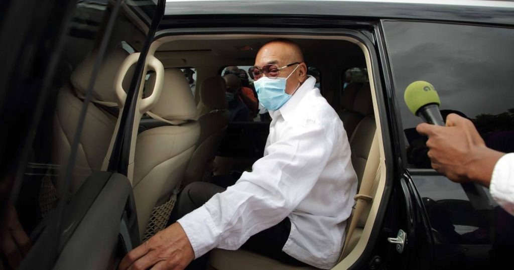 After two questions from the court martial, Bouterse invoked the right to remain silent    Abroad