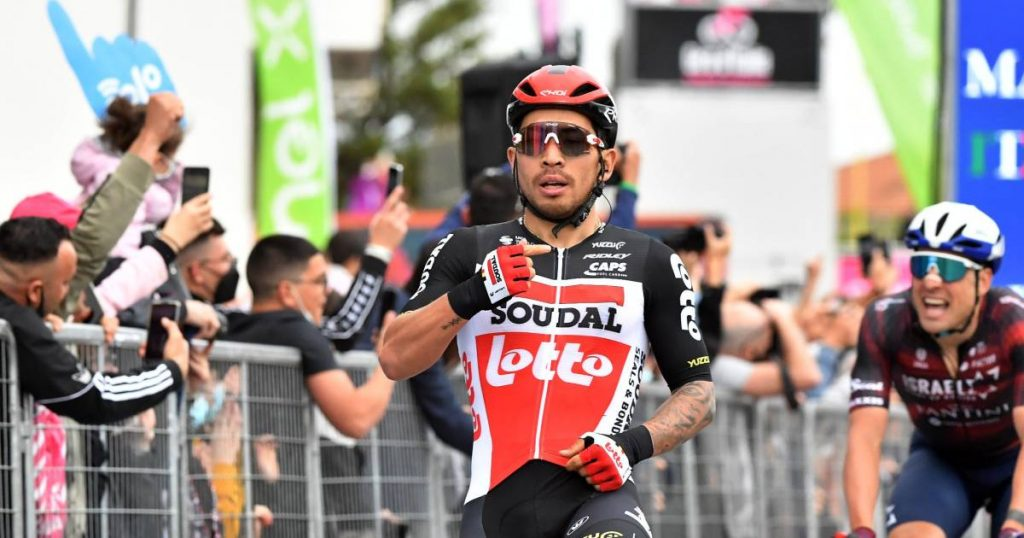 Ewan sprints to second stage victory in Termoli, Groenewegen fails |  Giro d'Italia