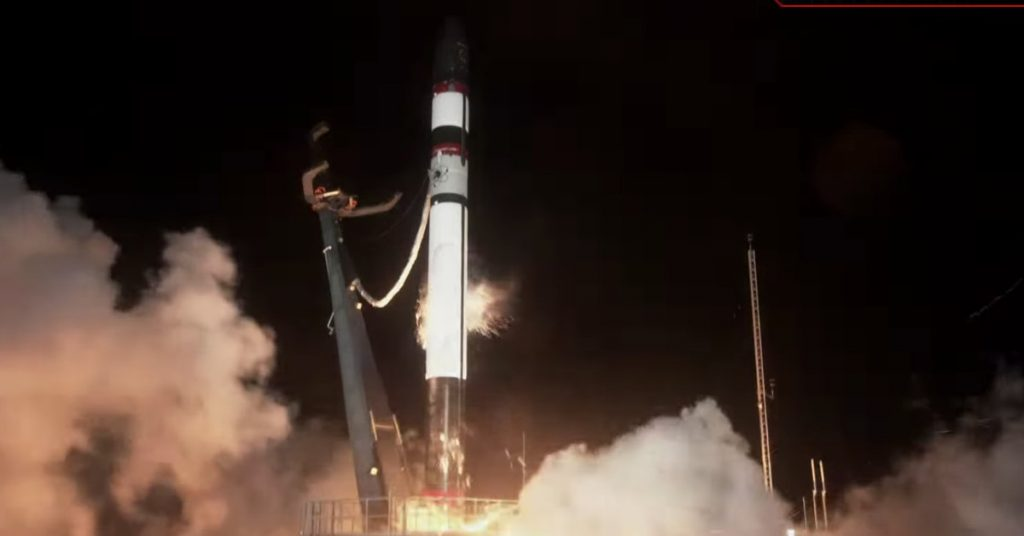 Rocket Lab's Electron missile crashes, loses payload of two satellites