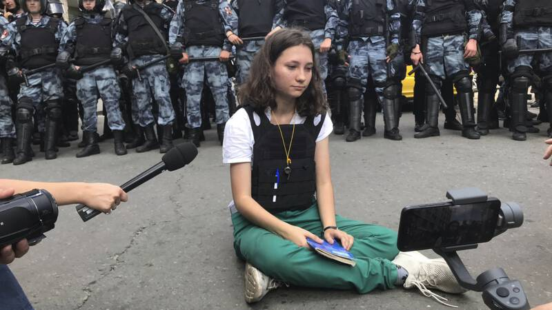 Young student and artist stand up against Kremlin, but imprisonment threatens