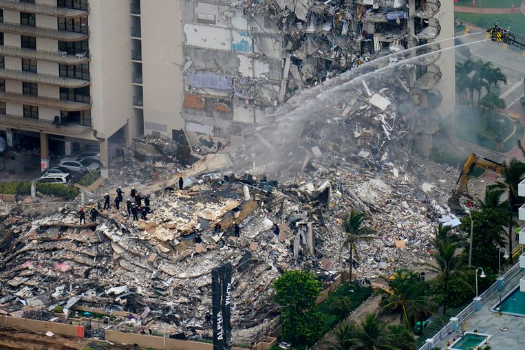159 more missing in Miami: how could a 12-story building collapse?