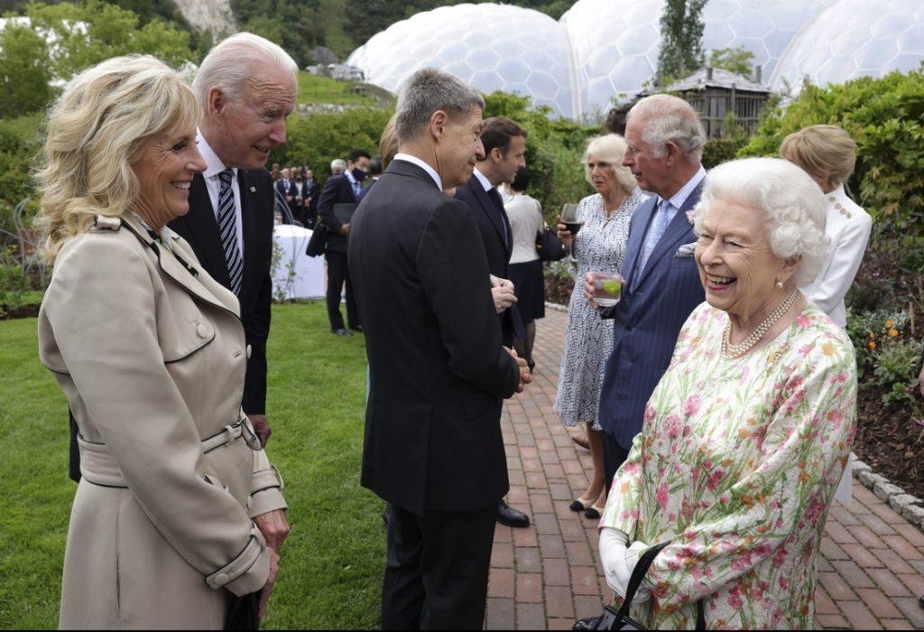 British queen met 13 US presidents