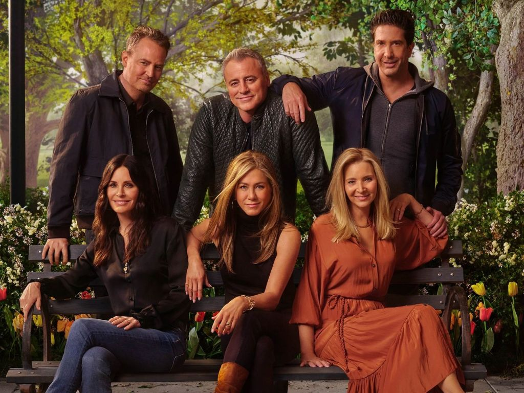 Friends: Reunion: take everything out of the closet