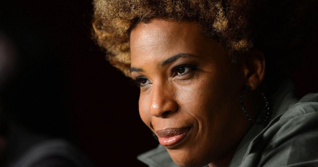 Macy Gray calls for a new American flag |  Stars