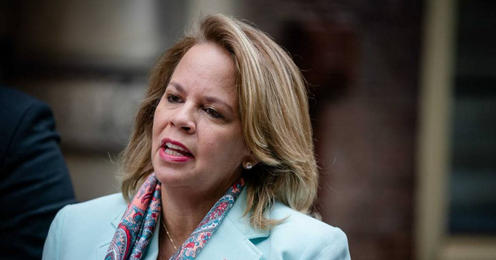 Party of former Aruban Prime Minister Eman demands recount after large number of invalid votes |  Abroad