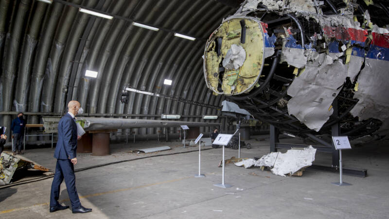 Three questions are at the heart of starting the basic treatment of the MH17 process