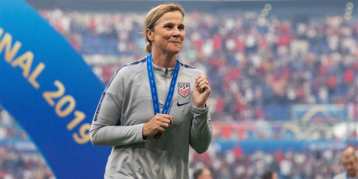 USA-succescoach Ellis sluit opvolging Wiegman vooraf niet uit