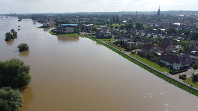 A wave of high seas leaves Limburg on Monday morning |  1Limburg