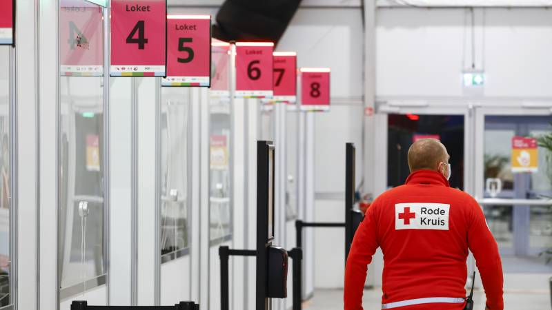 Companies call home work a guard • Red Cross gives advice to young people afraid of needles