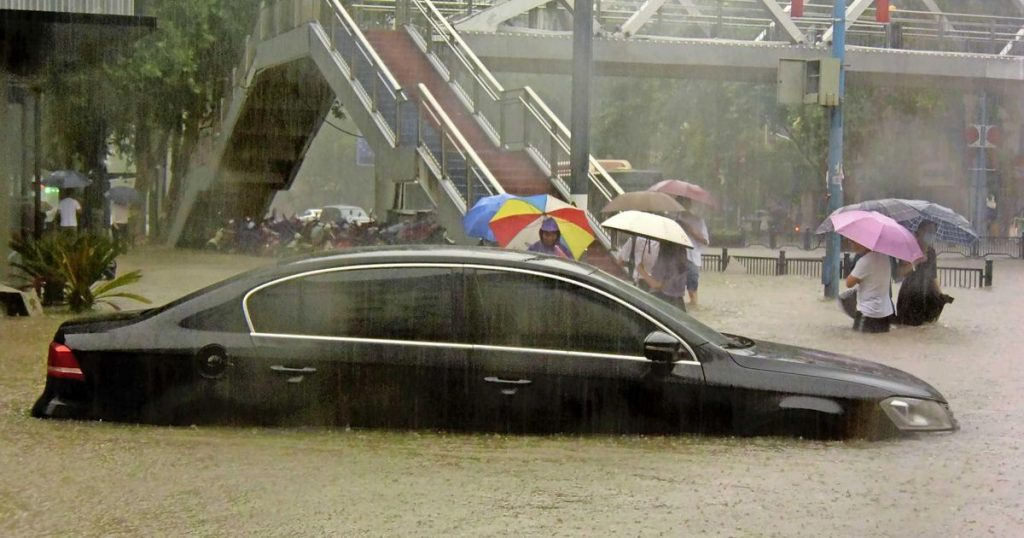 Deaths and floods in the Chinese metropolis after huge rainfall |  Abroad