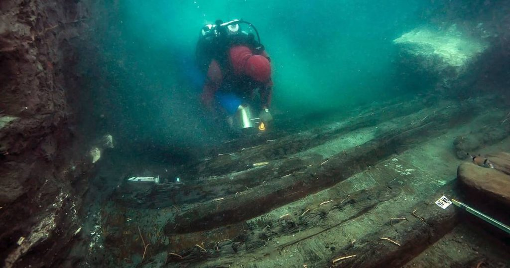 Divers discover Greek cemetery in submerged Egyptian city |  Abroad