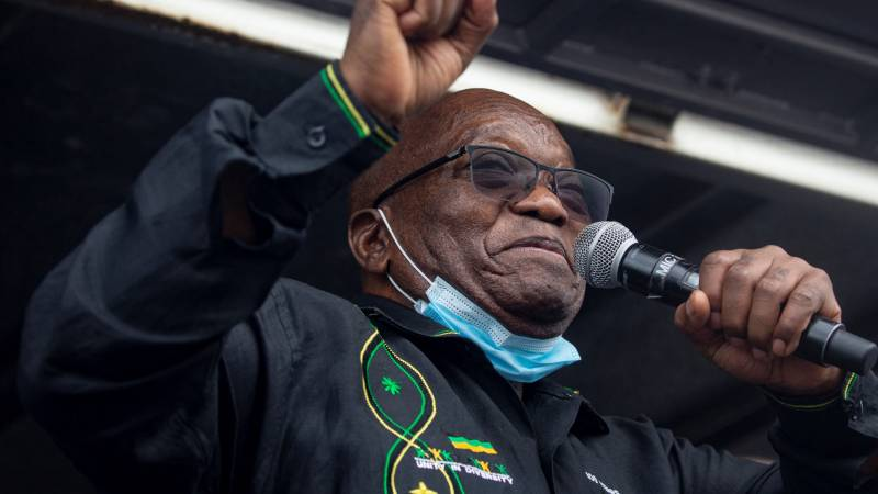Former president Zuma shows up in jail just before deadline