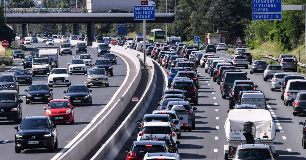 Holiday crowds on the roads of the south: at the highest 1000 kilometers of traffic jams in France |  Interior