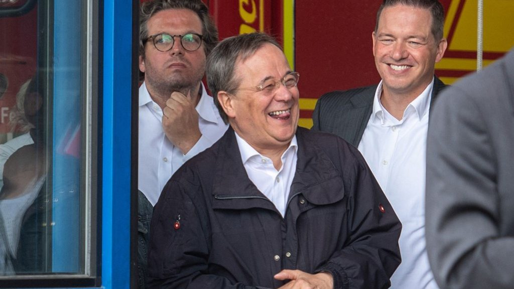 Indignation at the smile of the Prime Minister in the German flood zone