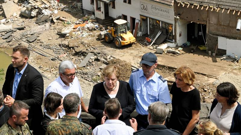 "Merkel in disaster area: ""No words for this kind of devastation"""