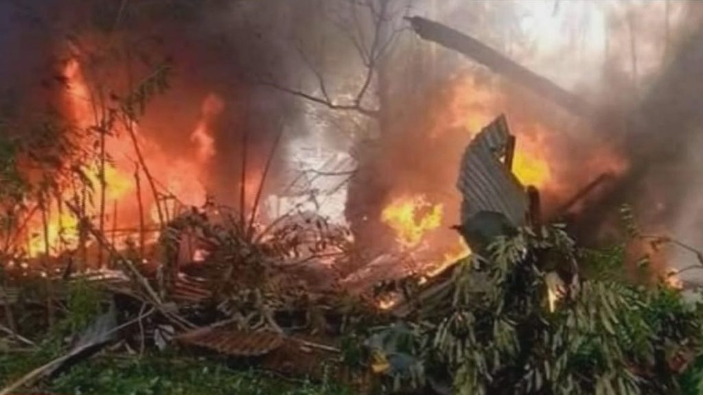 Philippines: 45 dead in plane crash, 50 injured and 17 missing