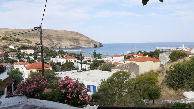 Small Greek islands don't wait for EU rules and go green on their own