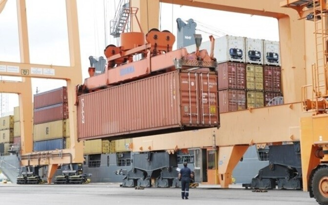 Statistics: Imports and exports have halved from May to May