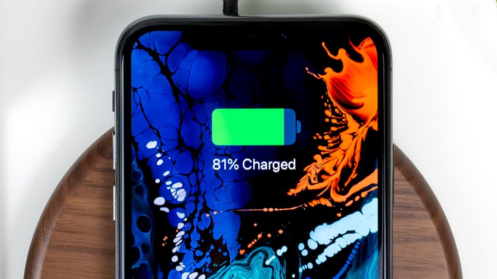Apple makes room for bigger batteries in iPhones, iPads and Macbooks