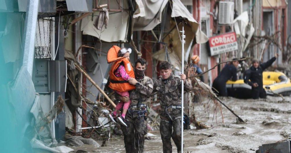 Already 27 dead in severe flooding in Turkey    Abroad