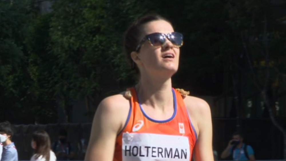 """Jill Holterman """"very proud"""" after completing tough Olympic marathon"""