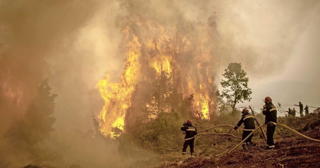 Rain offers hope to Greek firefighters |  Abroad