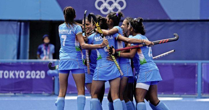 Sjoerd Marijne stunts with women India vs. Australia |  sport