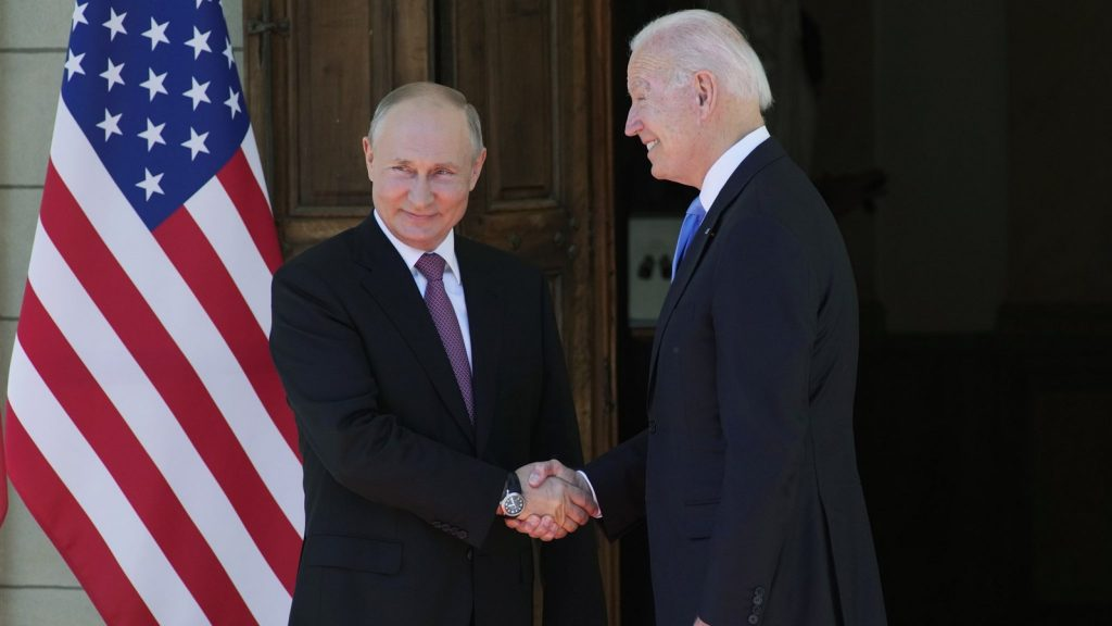 """The United States and Russia restore diplomatic relations: """"Talking to each other is already a lot"""""""