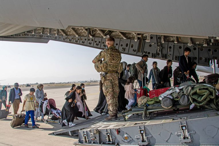 This is how the French, the British and the Americans approach their exodus from Afghanistan
