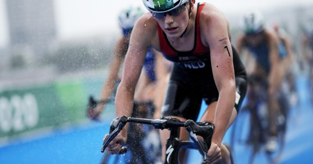 Triathletes miss Olympic medal    sport