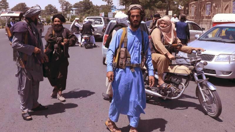 US begins evacuating embassy staff in Kabul, Taliban advancing again