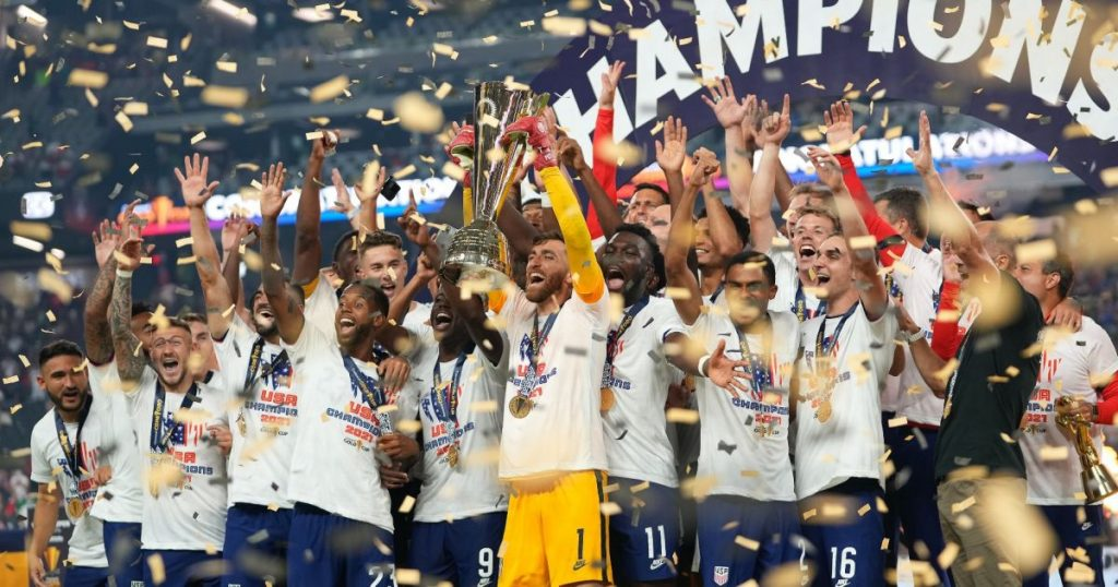US wins Gold Cup over Mexico, personal drama lvarez