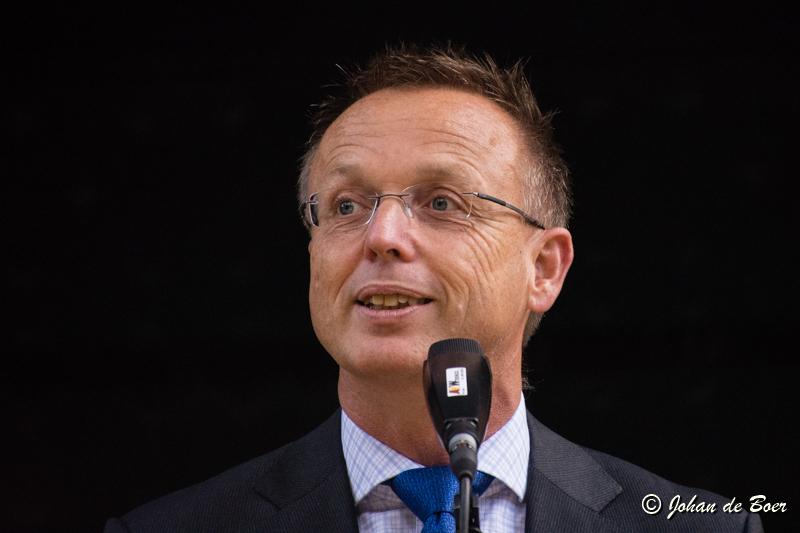 René Paas opens a multifunctional center in Siddeburen