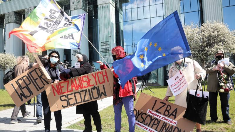European Commission demands sanction against Poland over controversial disciplinary chamber