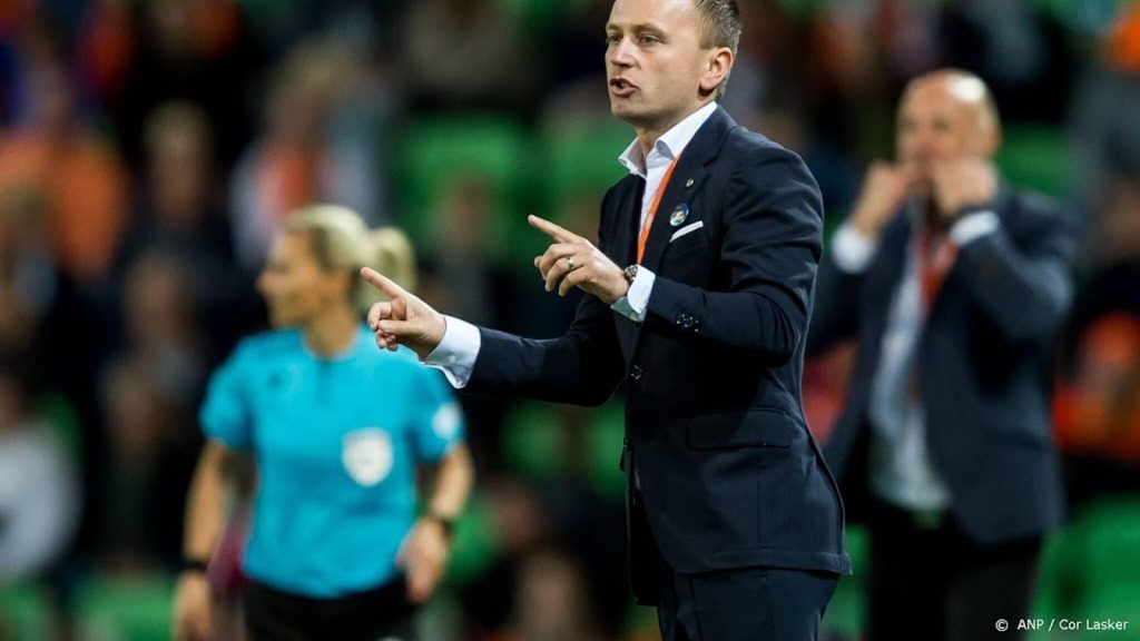 Orange coach Parsons: World Cup every two years is not good for players