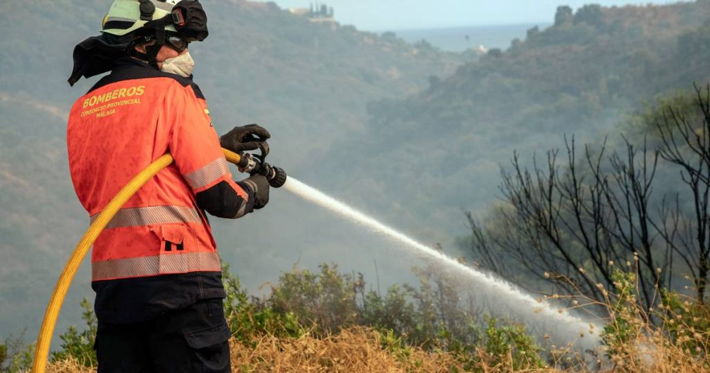 """Spain deploys an army and evacuates preventively because of fires: """"I haven't had such a forest fire for years"""" 
