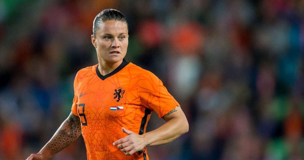 Spitse returns to Orange women's base at the expense of Van de Sanden