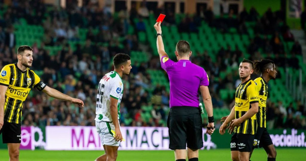 Strike, red cards and storms on the pitch: Speed too high for nine men FC Groningen |  Eredivisie